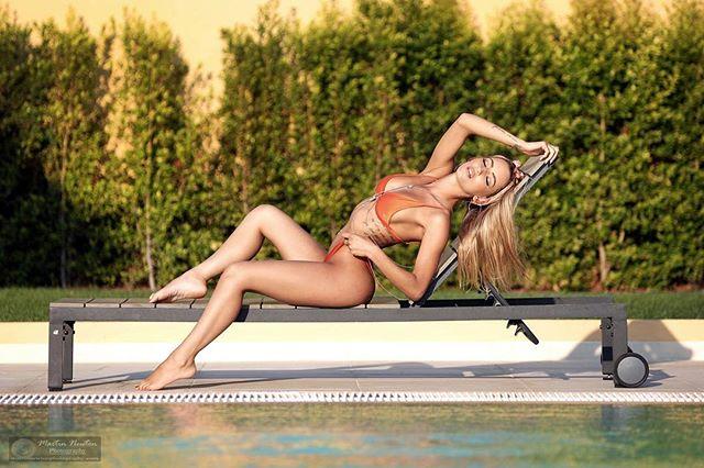 photography bikini model holiday photographer training swimwear clothing pixapro