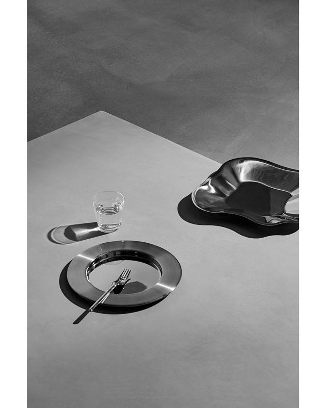 dining nordicdesign design kartio nordicnoir nordic reflections ateliercph table enokholsegaard yellowsstudio iittala grey oakthenordicjournal