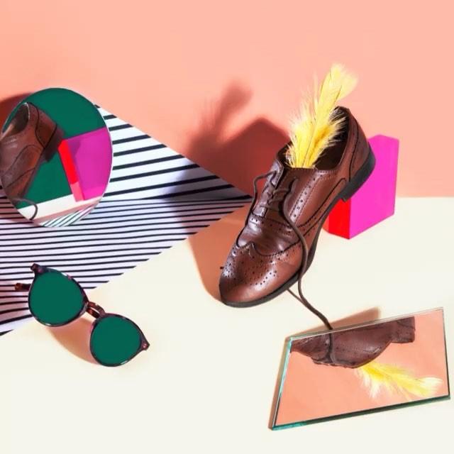 imageyourself fashion optical eyewear sunglasses shoes mirrorselfie pittiuomo2018 firenze instaphoto pop fortezzadabassofirenze apparence stillifephotography plumes vintage moda colorful pittiimmagine