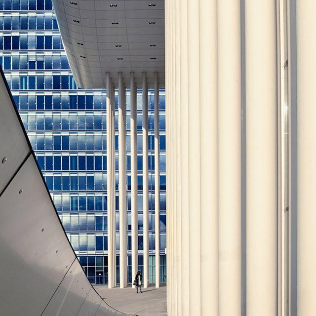 fassade realestateagent architecturalphotography sakral architekturlovers immobilienmakler realestatemarket klinker immobilien modernarchitecture realestatestyling häuserfronten immobilienfotografie likearchitecture berlin immobilienfotograf sakralbau architecturephotography realestate urbanarchitecture luxemburg urban immobilienbüro architekturfotografie