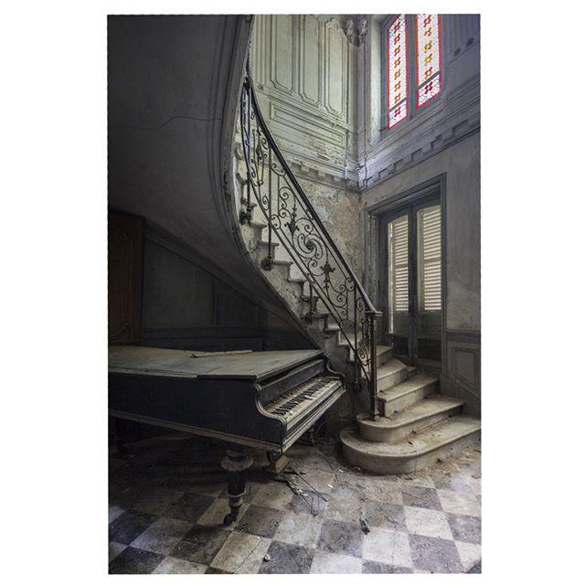 klavier verlassen pianist abandonedpianos kunst romainthiery art verlassenesklavier piano pianoabandonado photography classicalmusic fineart