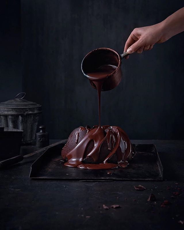 food chocolatecake foodstyling instafood foodphotography sweet chocolate dark cocoa tasty hand foodporn amazing desserts yum dessert fun set eat setstyling melted delicious yummy hungry hautecuisines studio