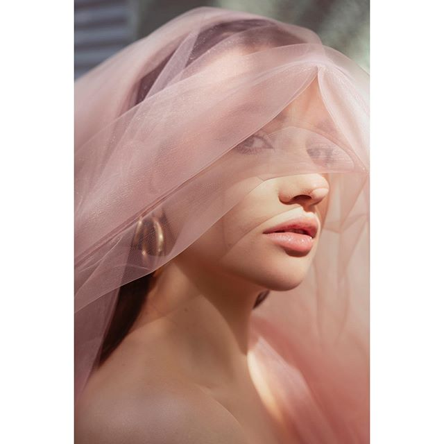 woman magazine look editorial sunday portrait tulle feeling fashion veil inspiration broadmagazine dreamsforskills beauty delicate photography faddymagazine softness port_magazine