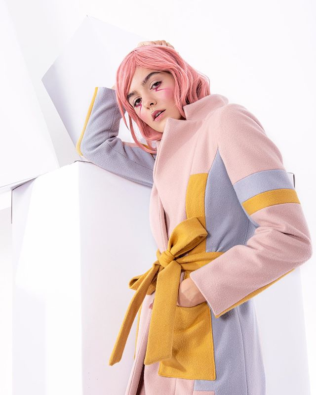 coatcollection fashion pastels fashiondetails photo inspiration editorial madeinromania photography model photogrraphy