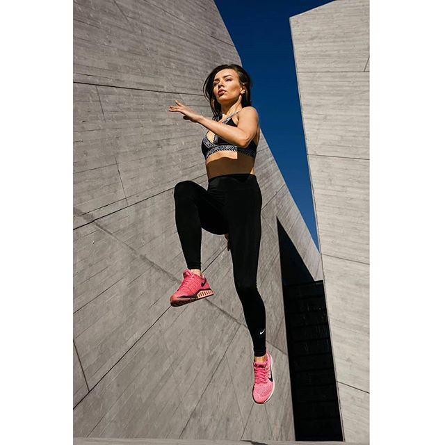 model motivation strength outdoortraining fitbody sportwear sportclothes sport willjapsphotographer sportmagazine beautifullwomen fitnessgirl sportshooting