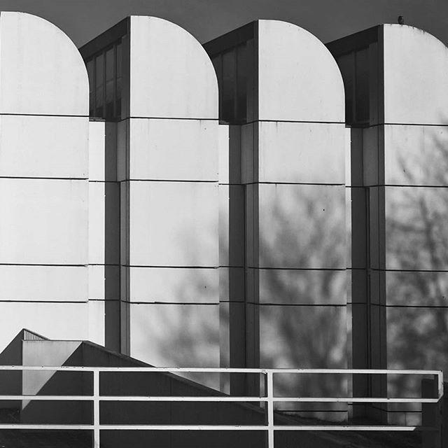 waltergropius gropius bnw_minimalism bnwarchitecture blackandwhitephotography berlinarchitecture bauhausarchiv architecturephotography architecturelovers architecture