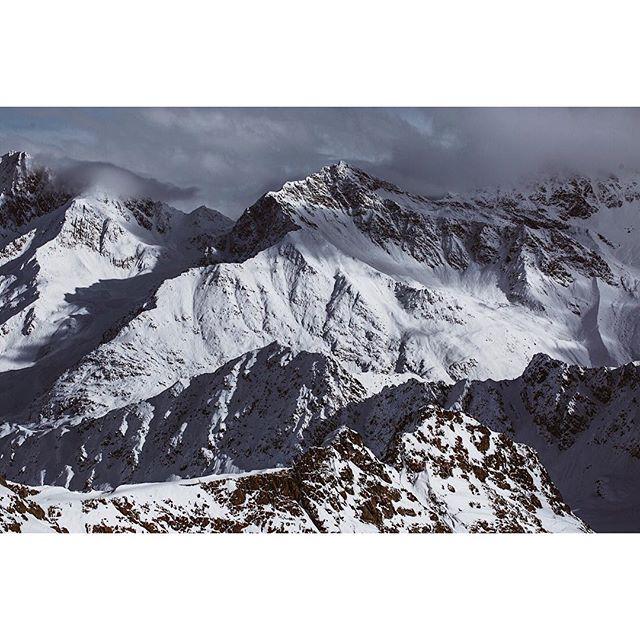 tirol alps lifeofadventure austria discoverearth alpinesnow wtf diewocheaufinstagram mountains morninglight visitaustria modernoutdoors winter landscapephotography