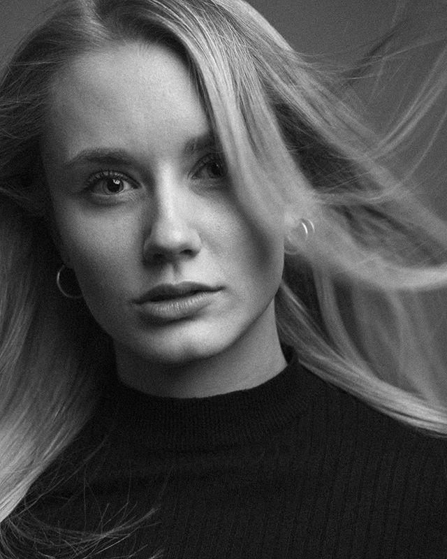 blondehair windyhair studiophotography portraitphotography blackandwhitephotography