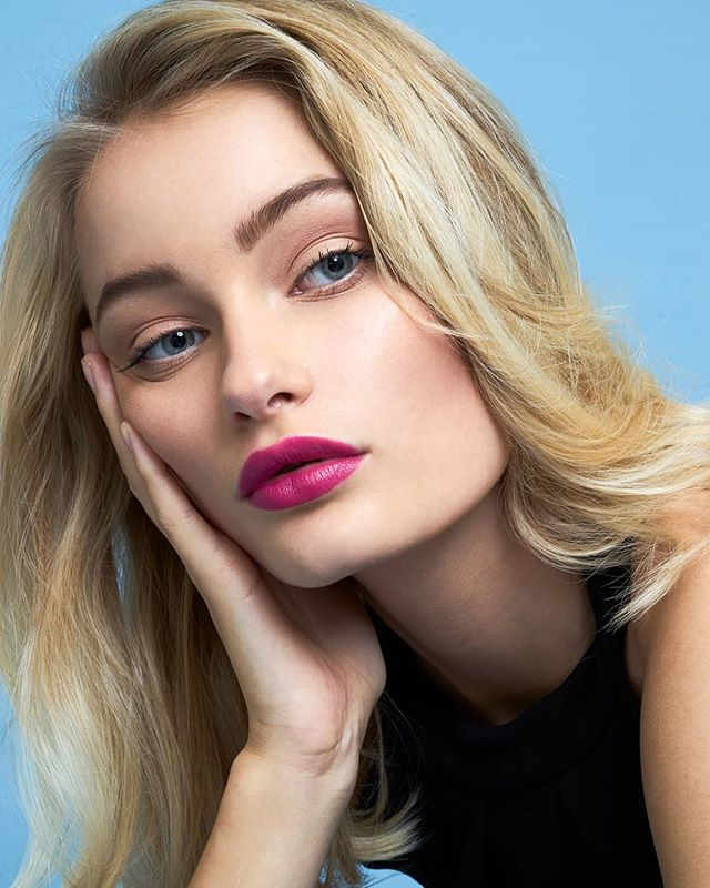 agency model makeupartist portrait captureone win makeup pinklips blonde