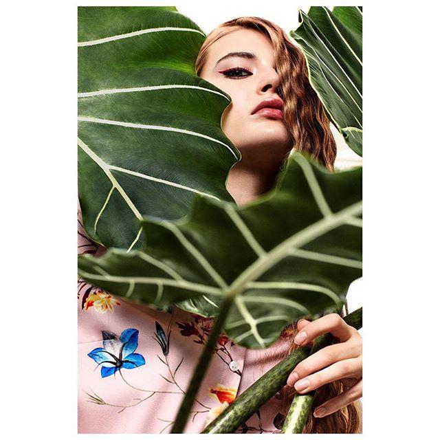 makeup stylist photoassitant photography photographer digitalpostproduction editorial model fashion lovemyjob hair