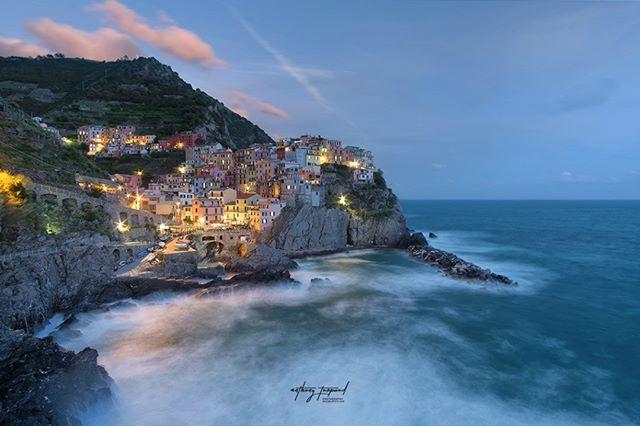 landscape italie sea manarolaitaly manarola italy mediterranean liguria landscapephotography mediterranee cinqueterre unesco anthonyturpaud