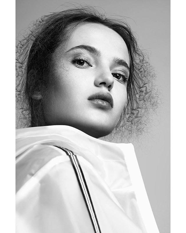 shotbyizo broncolor beauty mua makeup brussels studio fashion skin styling light fashionposters stylist