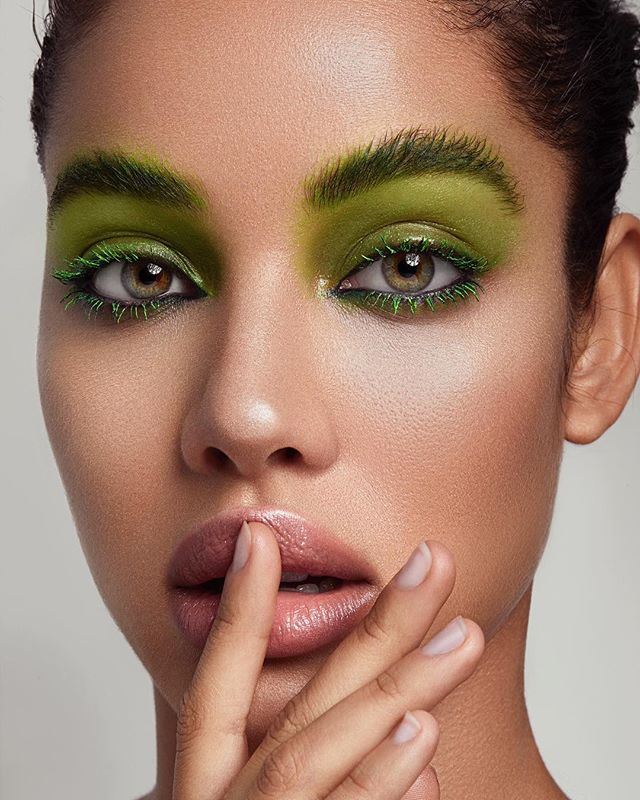 thelions beautyphotography beauty details lips gloss retouch green tais makeuplooks milianeyes
