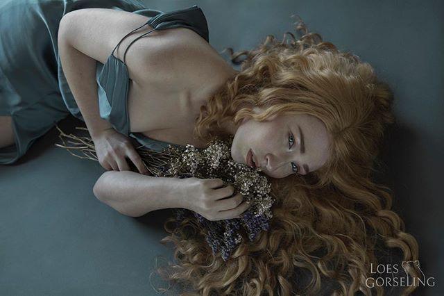 longhair blonde girl shoot blue flowers photography dress modeling curlyhair photoshoot