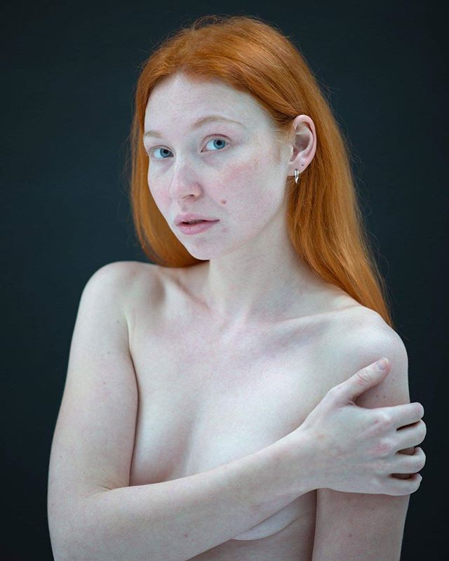 redhead ginger girl nomakeup naturallight nude fineart modeling photography art pure photoshoot