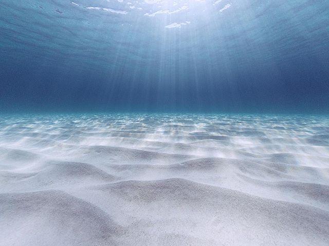 sand water menorca island mediterranean sun blue shapes lines gdome