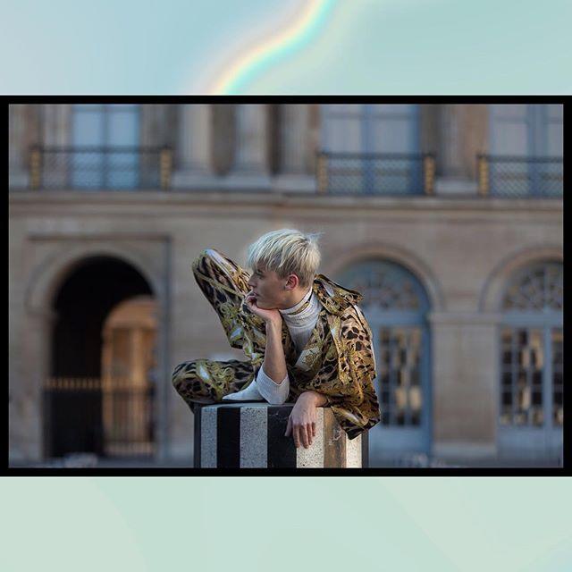 instaparis parisdancer fashionpose voguepose parisphotographer baroquestyle goldenparis shootingphoto goldenlight