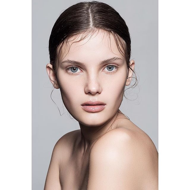 newface photography beautytrends beautyphotography modeling freshface healthyskin skin fashionphotography broncolor makeup model naturalmakeup glowyskin beauty