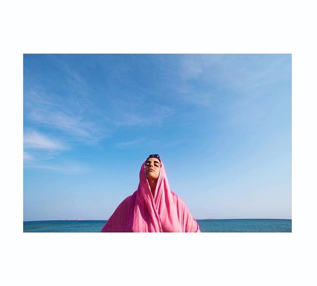 color fashion woman blue malumujer travelht pink travel strong imaginarymagnitude