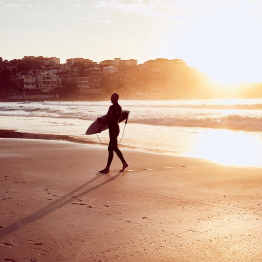 surf sunrise bondibeach