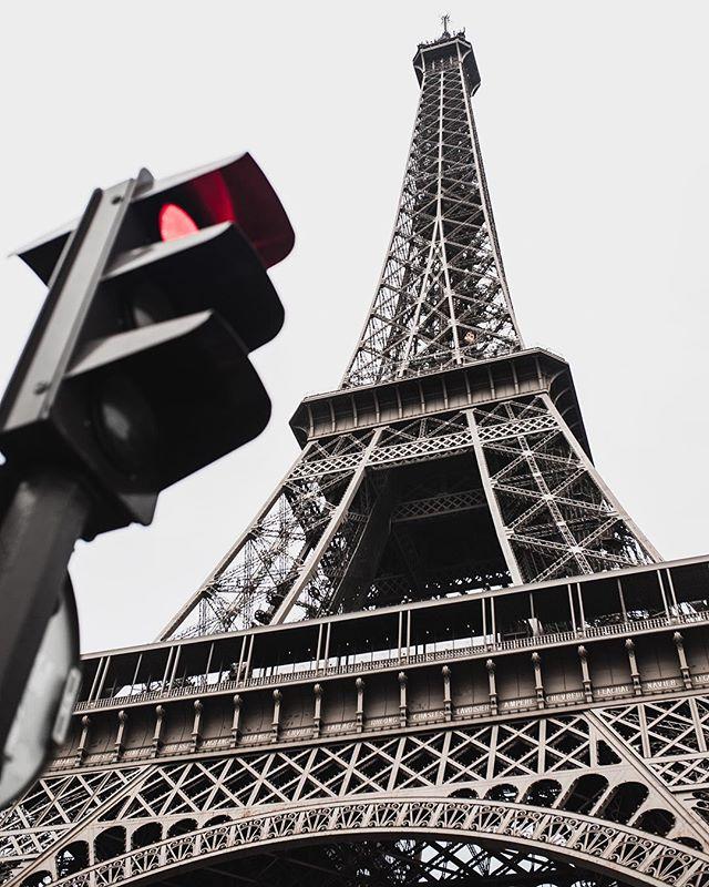 prospective streetphotography paris toureffeil streetshot moodygrams cityescape