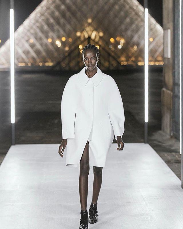 fashion louisvuitton womenswear soulcapturing paris look designer
