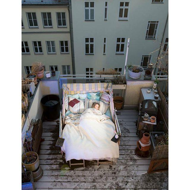 winter dachterasse berlin bett friedrichshain terraza schlafen schlafzeit schlafzimmer terrazas roof onassignment schlaflos rooftop schlafzimmerblick bedroom bedtime bed