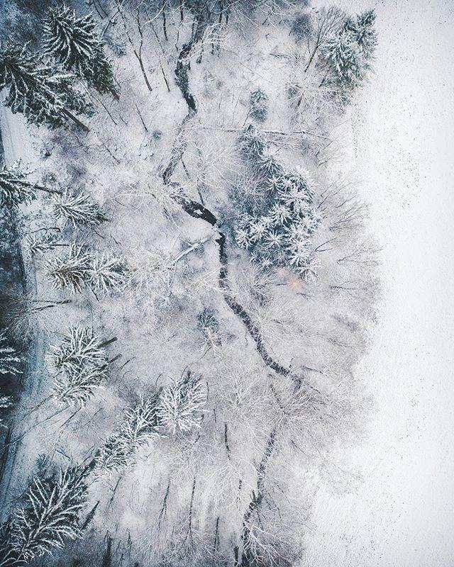 ig_germany landscape naturelovers discoverearth roamersworld schneezauber snow landlust moodygrams instagood vzcomood winter escapeandwonder earthpix vonoben schnee rsa_outdoors winterwonderland landliebe naturephotography badenwürttemberg bwjetzt droneshot nature roamtheplanet remstal