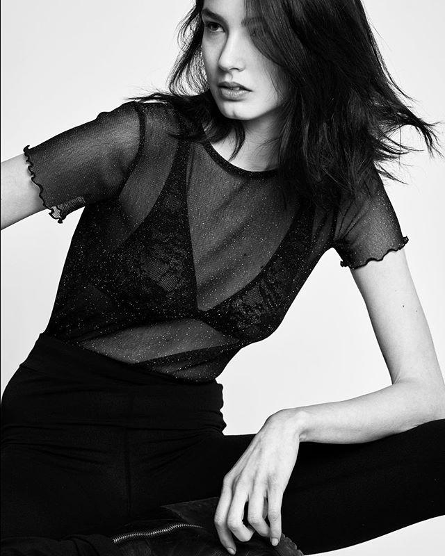 modeltest fotografovalencia fashionshoot blackandwhite fotografomoda portrait rodrigoasensio fashionphotography