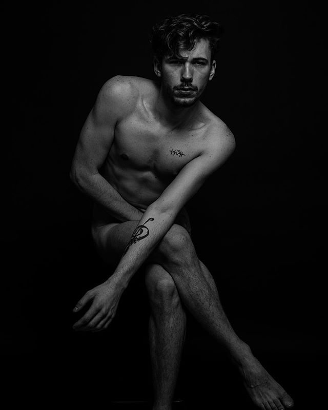 boy shooting model inkedmen lyon jam instadaily gentlemen blackandwhite nude photoshoot photo modeling englishboy nudity man art artistic pictorial studio france men gay me instapic photography