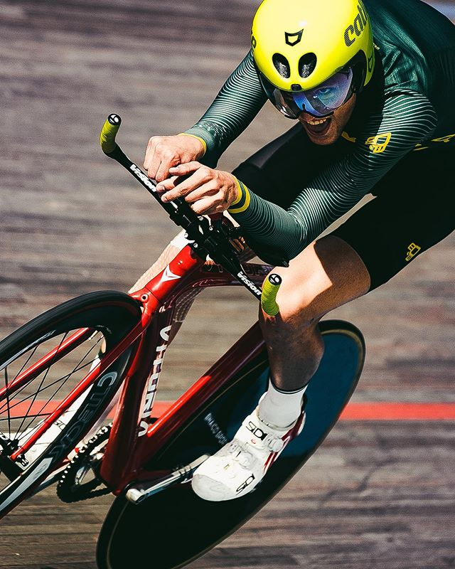 fixedgear cycling velodromo trackbike velodrome velodrommiquelpoblet closeupshot trackcycling velodromhorta brazodehierro