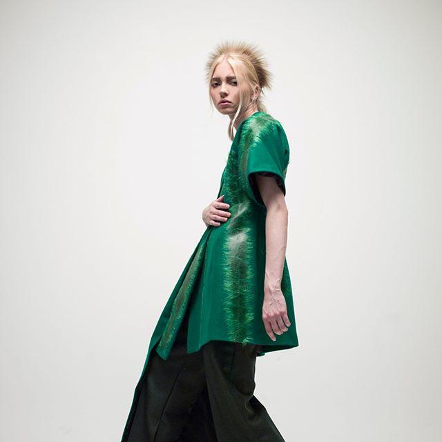 fashion model hasselblad green fall mediumformat ファッション helsinki photography design photographer portraitphotography aritavarzinska winter