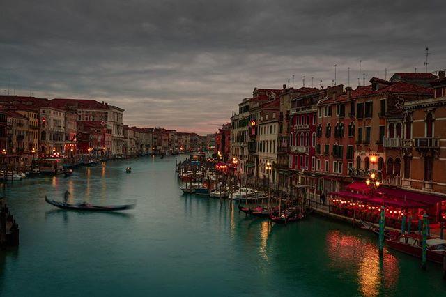 photographylocation locationphotography cityscape travelpicsdaily travelmarketing venezia venicecanals cityphotography locationphotographer veniceitaly italy locationphoto